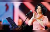 لها تكشف أسرار الساحة الفنيّة: حِداد النجوم، محمد عساف إلى العالمية وتصريحات هيفاء حسين