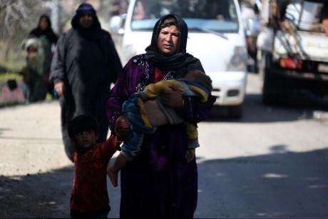 سوريا.. نزوح جماعي من الغوطة وعفرين