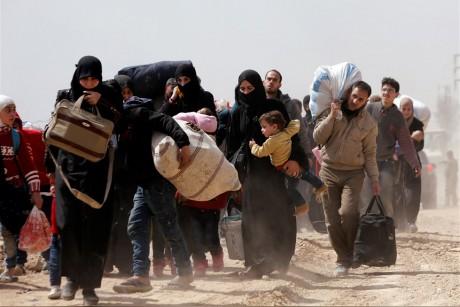 خروج الآلاف من الغوطة الشرقية