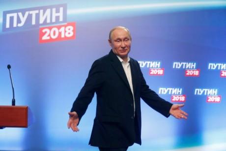 بوتين يَعِد الروس بحلّ مشكلاتهم ويرفض خوض سباق تسلّح