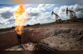 النفط يقفز لأعلى مستوى في 3 أسابيع بفعل القلق بشأن فنزويلا