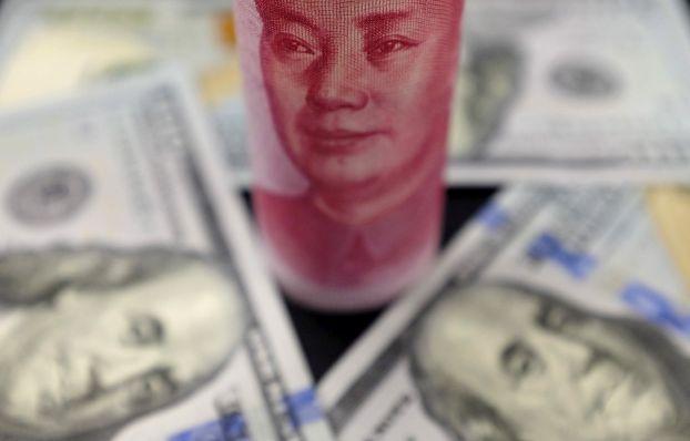 الدولار يتعثر وسط قلق في شأن ارتفاع مراكز البيع لأعلى مستوى