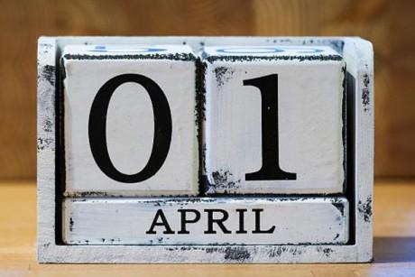 فيديو| 5 حقائق.. في كذبة أبريل