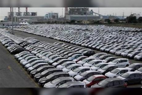 الجمارك تطالب مستوردي السيارات بتقديم شكاوى في حال عرقلة الإفراج الجمركي
