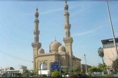 مسجد الفتج في الزقازيق( مصر)