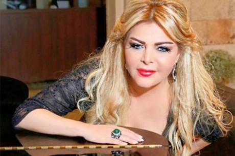 فلة الجزائرية تغني وترقص في أول ظهور لها بعد إعلان اعتزالها الفن.. فيديو