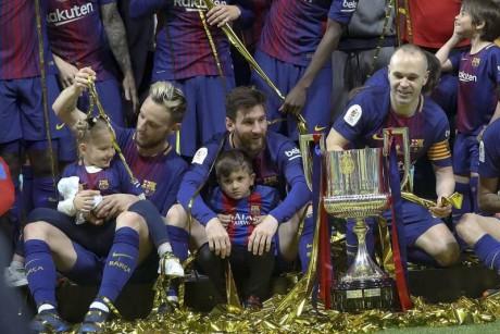 صباح الكرة: برشلونة بطلًا لكأس الملك.. صلاح يواصل كتابة التاريخ.. مانشستر يونايتد في نهائي كأس إنجلترا