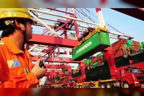 الصين ترحب بزيارة محتملة لمسؤولين أمريكيين لبحث الخلاف التجاري