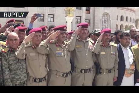 الحوثيون يشيعيون قائد العمليات الصاروخية