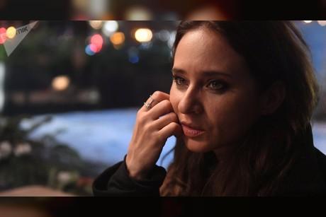 بالفيديو... نيللي كريم تعلم عمرو أديب كلمات روسية وتتحدث عن وعكتها الصحية