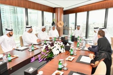 ولي عهد دبي يزور غرفة تجارة وصناعة دبي