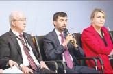 المزروعي: مشاريع الطاقة المتجددة في الإمارات الأكبر في العالم