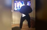 بالفيديو - هذه النجمة أشعلت مواقع التواصل بوصلة رقص هستيرية.. شاهدوا ماذا فعلت