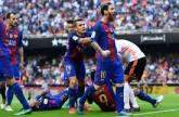برشلونة يتخطي أحزانه الأوروبية بالفوز علي فالنسيا بالدوري