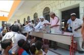 الخاطري: «الهلال الأحمر » توزع 55 ألف سلة غذائية غرب اليمن