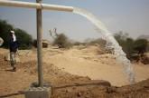 «الهلال الأحمر الإماراتي» يفتتح مشروع مياه صعيد باقادر في شبوة اليمنية