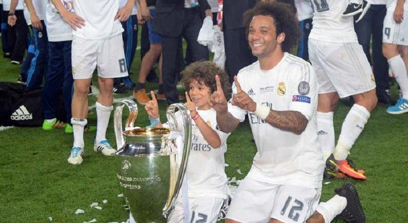 بالفيديو.. شاهد ابن مارسيلو لاعب ريال مدريد ماذا فعل في غرفة اللاعبين - دوت امارات