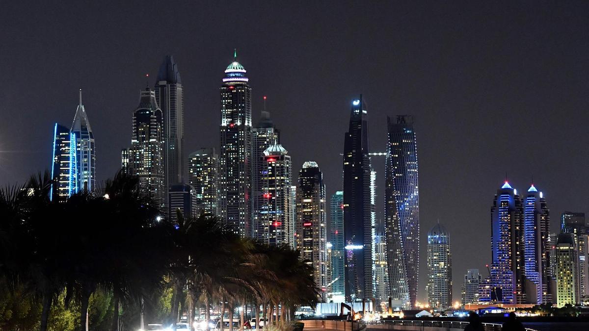 لماذا يفضل الشباب العربي العيش في الإمارات؟ - دوت امارات