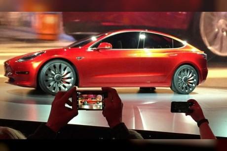 Musk admits Model 3 braking issue, promises fix