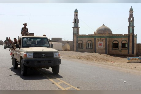 Yemeni army liberates new area in Taiz from Houthi grip