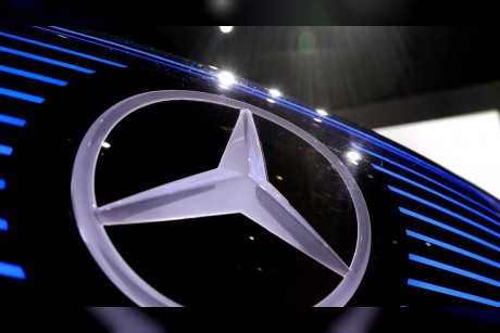 Daimler in talks with German authorities over diesel issues