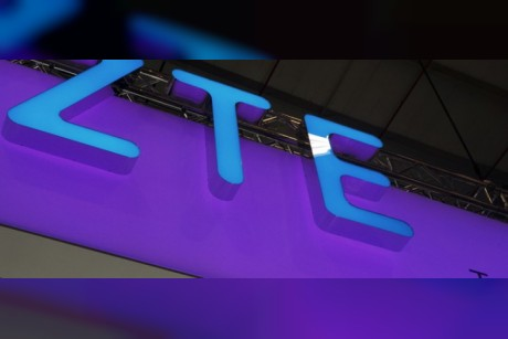 US reaches agreement to lift ZTE ban with conditions