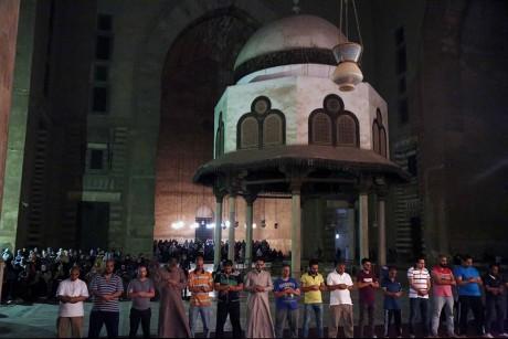 التروايح من مسجدى الرفاعي والسلطان حسن بالقاهرة