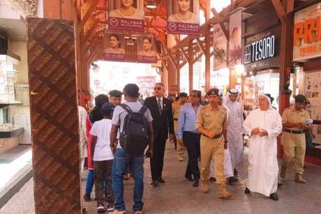 Dubai Police chief reviews security at gold souq