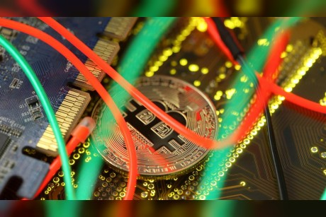 Bitcoin `scam has South Africas police chasing billions