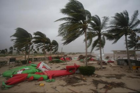 Cyclone Mekunu lashes Oman - in pictures
