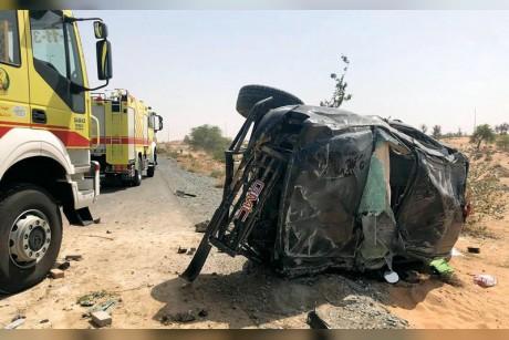 إصابة 3 أشخاص بحادث تصادم في أم القيوين