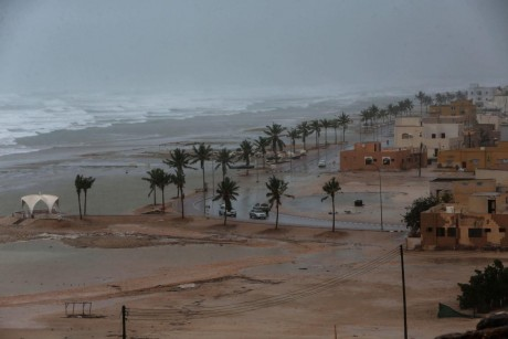 Powerful Cyclone Mekunu leaves at least 1 dead, 40 missing in Oman and Yemen