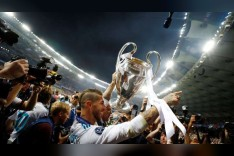هكذا احتفل راموس مع نصرت التركي بالفوز بعد خروج صلاح