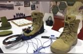 3 طالبات يبتكرن حذاء كاشفاً للألغام والمعادن