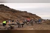 بالصور.. صقور المملكة البواسل ينتشرون في سقطري لتقديم الإغاثة للشعب اليمني