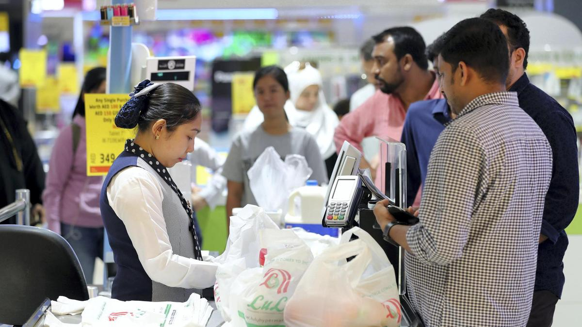 Lulu Hypermarkets donate Dh1 million to Dubai Cares - Dotemirates