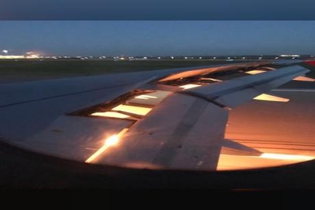 تعليق هيئة الطيران الروسية على حريق أحد محركات طائرة الأخضر