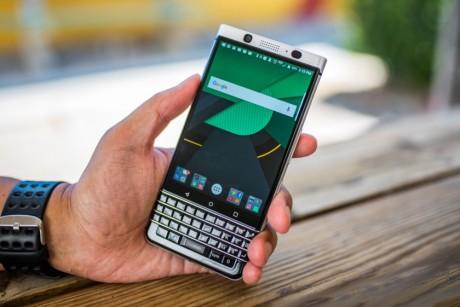 التحديث الأحدث للهاتف Blackberry KEYone يحظر لتحديث الأندرويد Oreo