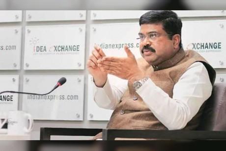 وزير النفط الهندي لـ CNBC: نتوقع أن تعيد أوبك النظر في سياستها