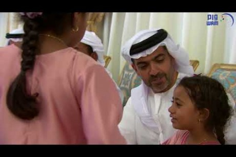حامد بن زايد يقدم واجب العزاء في شهداء الوطن الأربعة