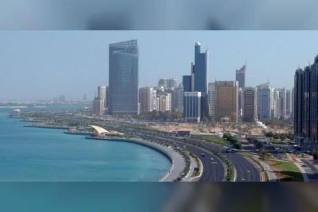 أبو ظبي.. توقعات بنمو القطاعات غير النفطية بنسبة 3.5 % في 2018