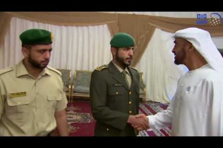 محمد بن زايد يقدم واجب العزاء إلى ذوي شهداء الوطن الأبرار