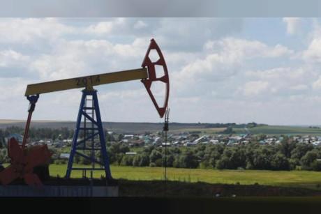 النفط... مؤثراً ومتأثراً بالحرب التجارية
