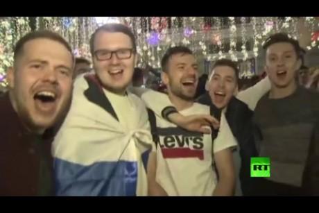 أجواء احتفالية وسط موسكو بالنصر في المباراة الأولى لكأس العالم