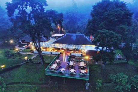 السياحة في اندونيسيا بونشاك
