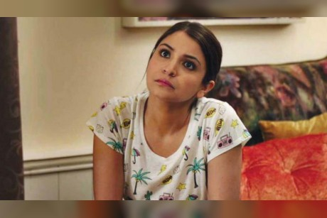 Anushka Sharma scolds passerby for littering, man hits back!