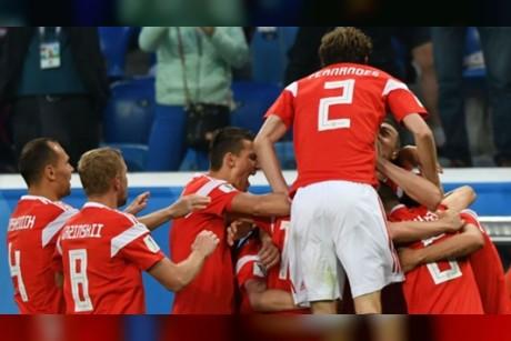 حصاد كأس العالم | بطاقة حمراء بعد 3 دقائق وروسيا تقتل حلم المصريين (6)