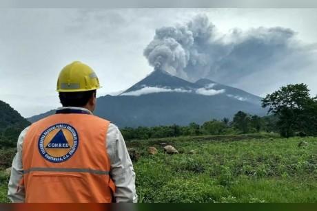 ارتفاع ضحايا بركان غواتيمالا إلى 65 شخصاً