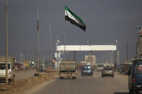 تركيا تتيح للتجار السوريين حرية العبور من وإلى أراضيها عبر جرابلس السورية