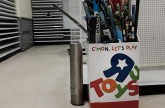 Toys 'R' Us Australia stores to close after failing to sell